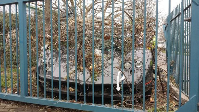 Driver Crashes His Friend's $1.5 Million Pagani Zonda GJ Into a Fence (6 pics)