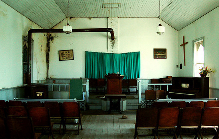 What Happens To A Church When People Stop Going? (16 pics)
