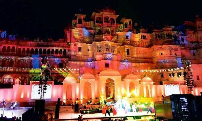 This Extravagant Indian Wedding Cost $23 Million (25 pics)
