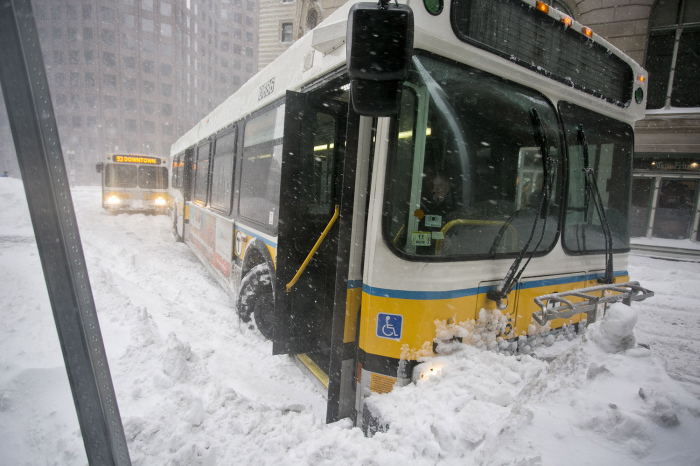 The East Coast Of The United States Is Getting Buried By Snow (30 pics)