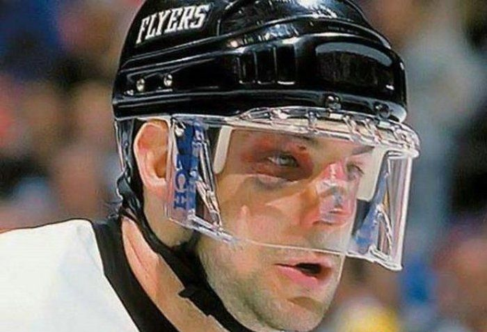 Sometimes Hockey Is More Violent Than MMA (36 pics)
