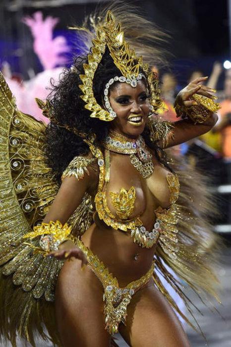 Fotos de mujeres en los carnavales de brasil 71