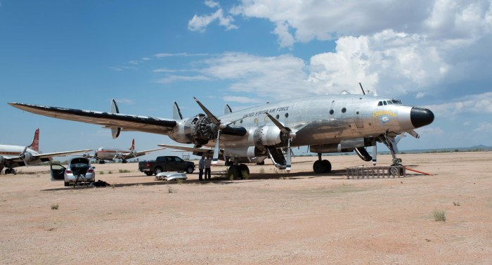 The Very First Air Force One Is Just Wasting Away In Arizona (7 pics)