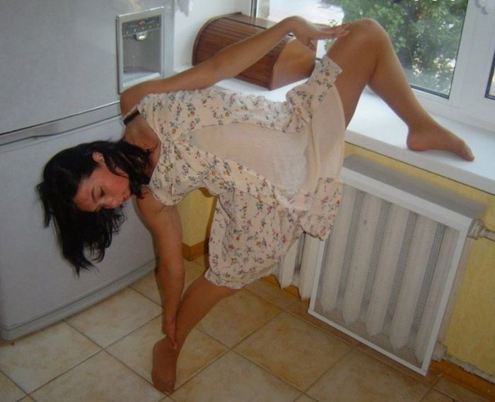 How To Have A Sexy Photoshoot Around The House (40 pics)