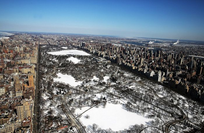 Amazing Aerial Views Show A Frozen New York City (16 pics)