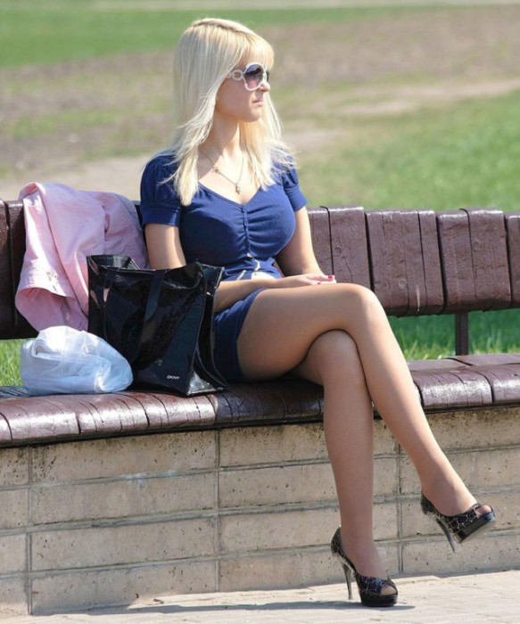 These Hot Summer Girls Will Have You Begging For Warm Weather (21 pics)