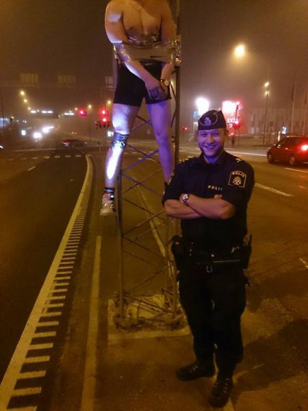 Proof That Cops Know How To Have Fun Too (42 pics)