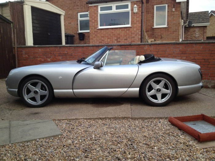 The TVR Chimaera Restoration Project (40 pics)