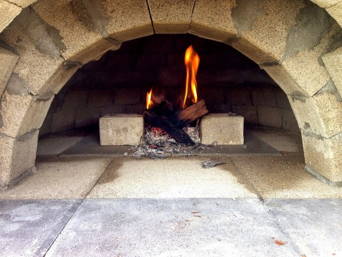 This Man Built A Brick Pizza Oven In His Own Backyard (15 pics)
