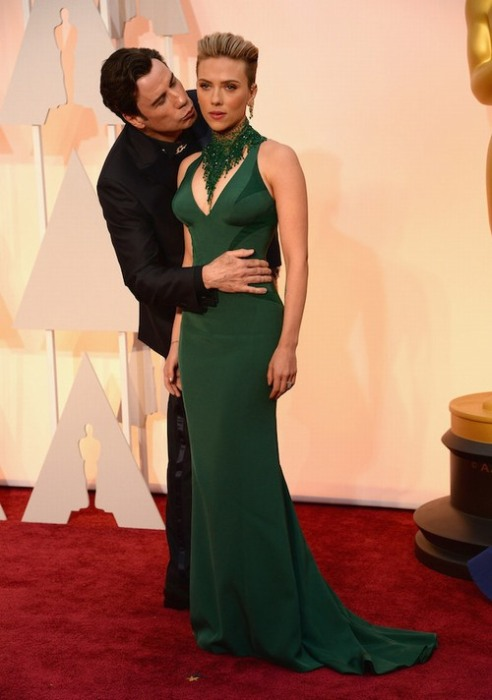 The Internet Is Having A Lot Of Fun With John Travolta And Scarlett Johansson (22 pics)