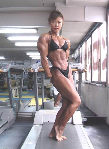 Japanese Bodybuilder Tomoko Kanda (20 pics)