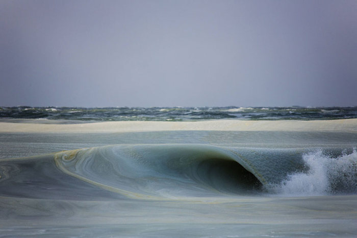 Photographer Captures Incredible Frozen Ocean Waves Off The Coast (5 pics)