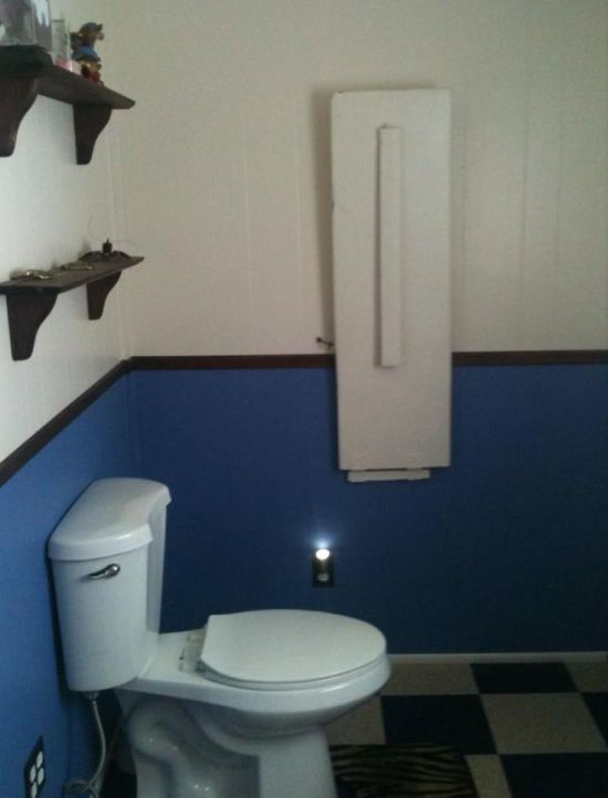 Why Doesn't Every Bathroom Have One Of These? (2 pics)