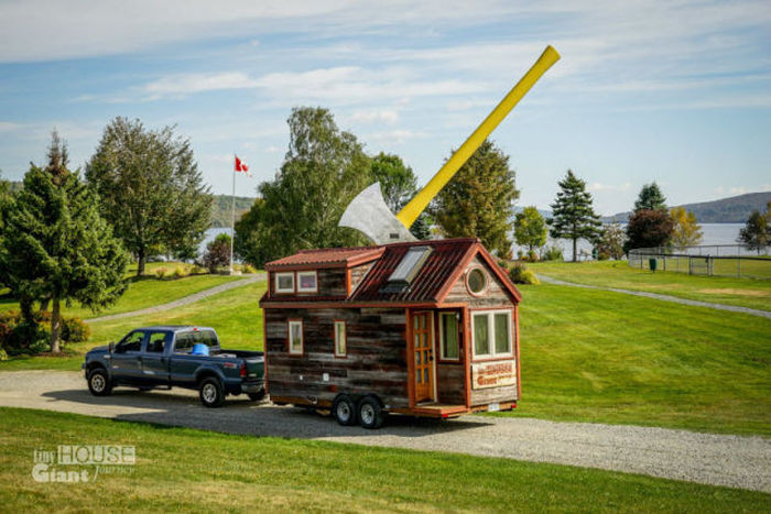 A Mobile Home You'll Want To Take Everywhere (17 pics)