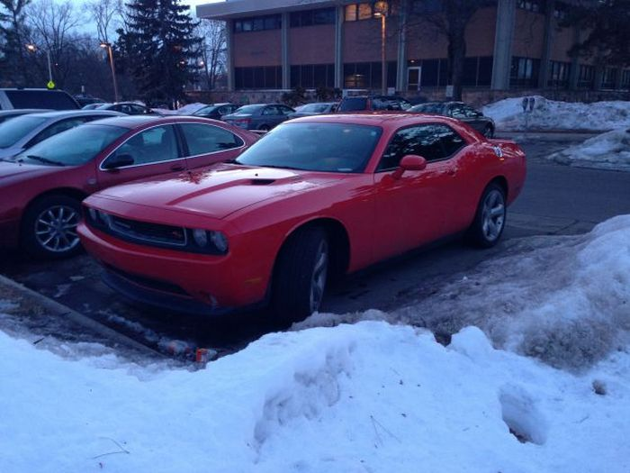 This Guy Landed The Easiest Date Ever Thanks To His Car (5 pics)