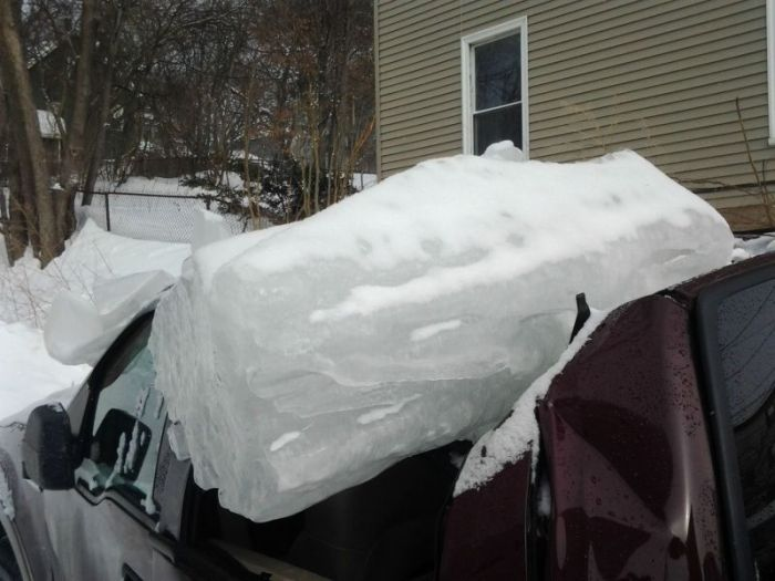 Truck Gets Destroyed By A Boston Winter Storm (8 pics)