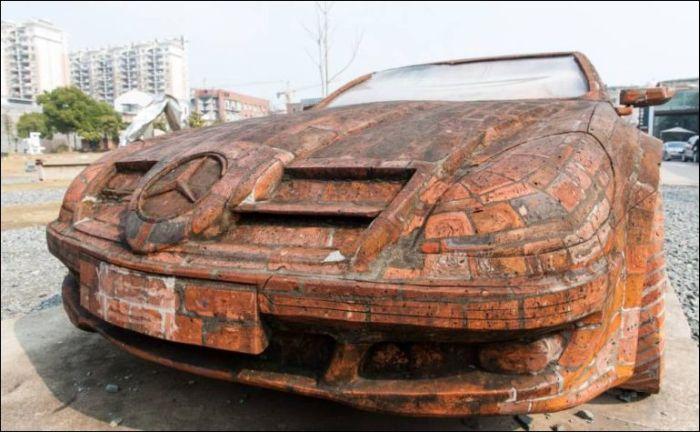 This Mercedes Is Made Of Bricks (3 pics)