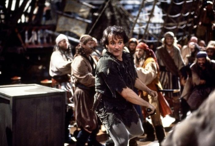 The One Major Detail No One Ever Noticed In Hook (8 pics)
