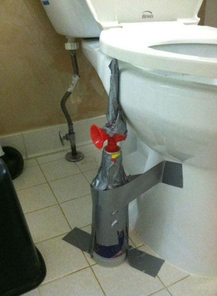 People Doing Mean Things (48 pics)