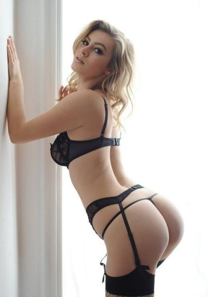 These Beautiful Women In Lingerie Are Sure To Brighten Your Day (57 pics)