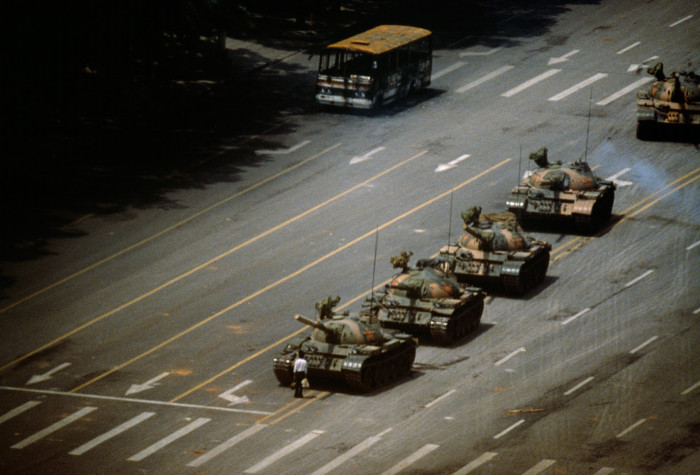 Iconic Photos From History Recreated With Miniatures (32 pics)