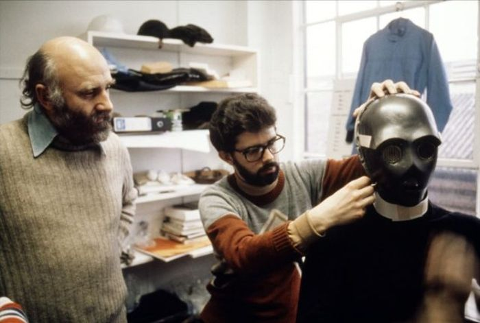 Behind-The-Scenes Of The Making Of Star Wars (100 pics)