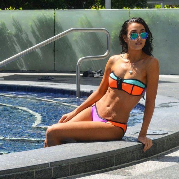 Sexy Bikini Babes (59 pics)