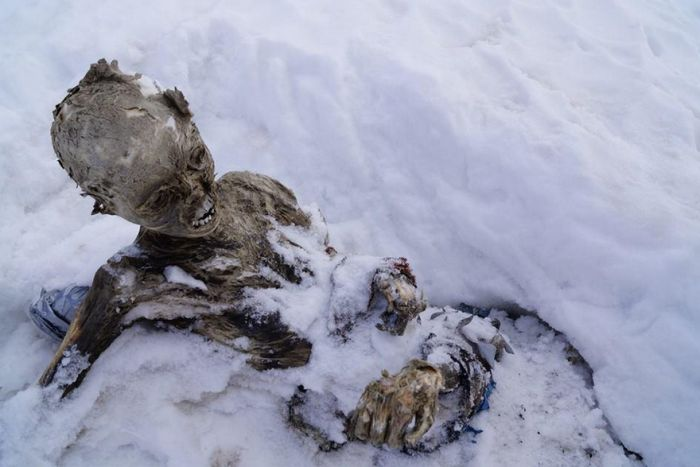 Bodies of Two Climbers Found in Mexico (10 pics)