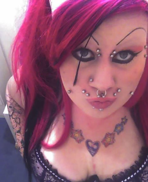 This Girl Put Herself Through An Outrageous Transformation (25 pics)