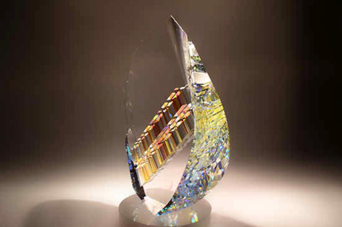 Artist Uses Fibonacci Ratios To Create Breathtaking Glass Sculptures (19 pics)