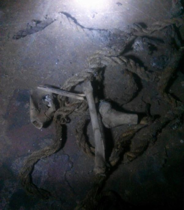 Man Finds Something Very Disturbing In His Crawl Space (4 pics)
