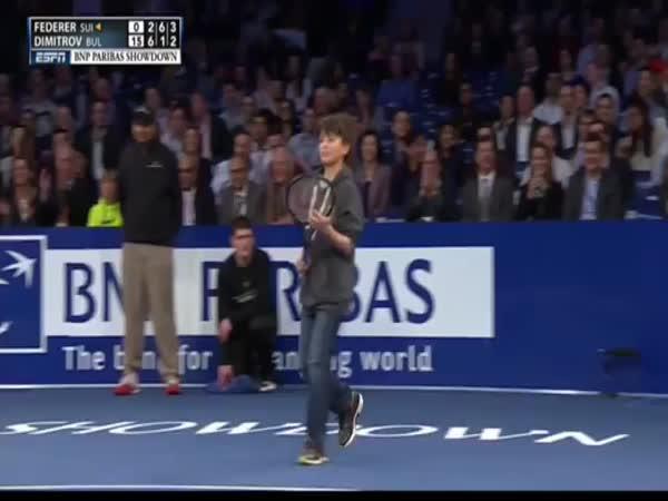 Boy Beats Federer
