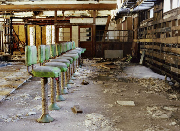 This Resort Was Once The Setting Of Dirty Dancing Now It's In Ruins (21 pics)