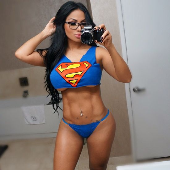 Meet Superwoman Dolly Castro (20 pics)