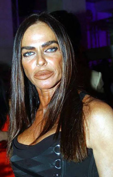 Makeup Disasters That Went Horribly Wrong (34 pics)