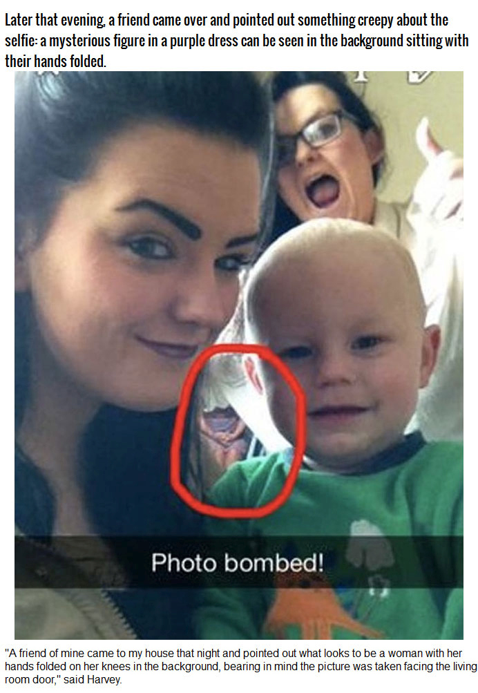 Girl Discovered a Ghost In Her Selfie (3 pics)