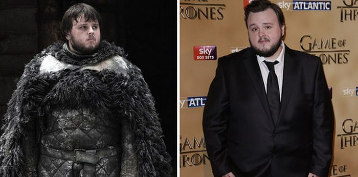 The Game Of Thrones Stars On The Red Carpet (24 pics)