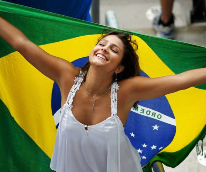 All The Best Brazilian Babes From The World Cup 55 Pics-2039