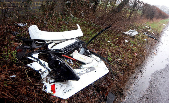 New Cars Destroyed After Collision With the Bridge (7 pics)