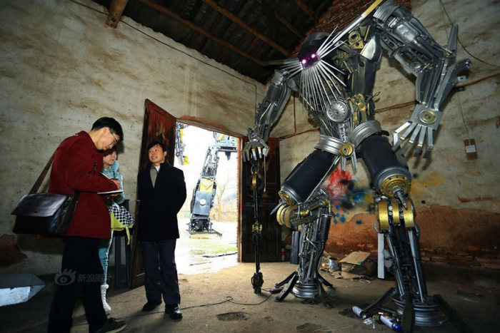Father And Son Build Transformers From Scrap Metal In China (10 pics)