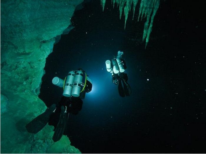 Experts Still Can't Figure Out What They Found In This Mysterious Cave (5 pics)