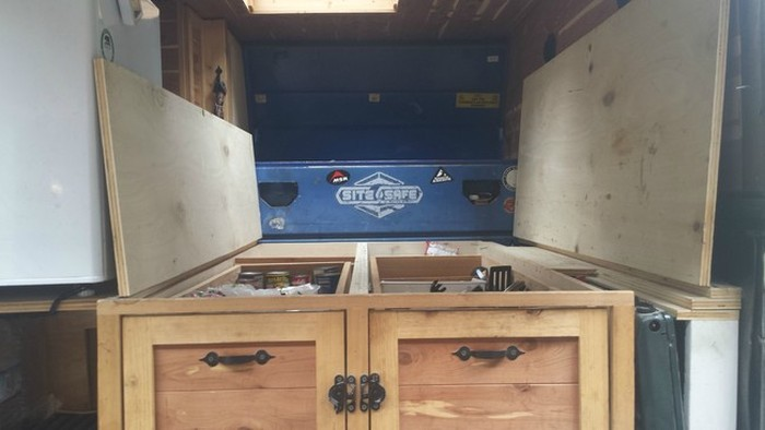 This Guy Turned His Truck Into The Ultimate Camper (12 pics)