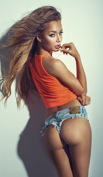 Bootilicious Pictures Of Gorgeous Butts (64 pics)