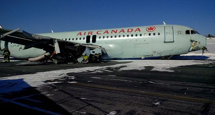 Air Canada Plane Crash Lands And Leaves 25 Injured (6 pics)