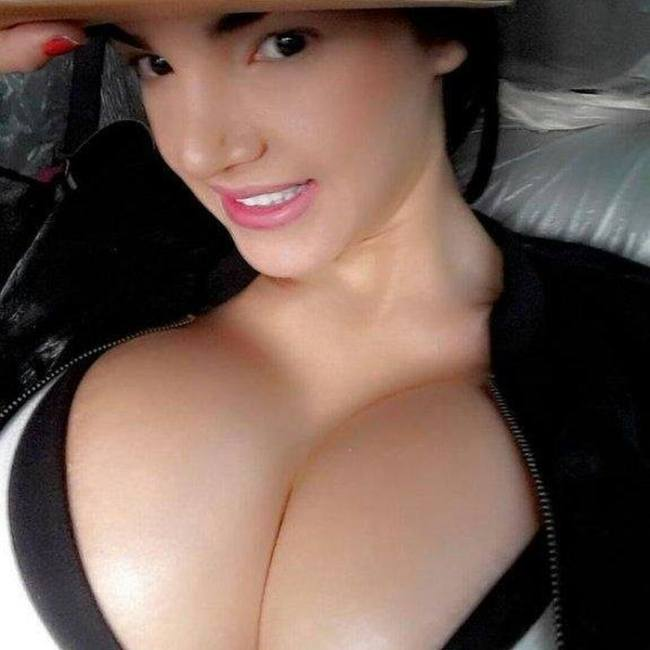 Busty Girl Tiny Waist. Photos of Aleira Avendaño (24 pics)