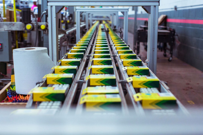 These Pictures Show What Goes On Inside A Crayola Crayon Factory (13 pics)