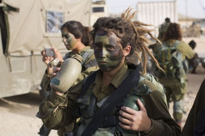 Pretty Girls Of The Israeli Army (99 pics)