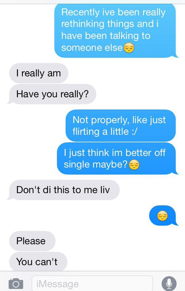 Girl Tries To Pull Texting Prank On Her Boyfriend Until It Backfires (4 pics)