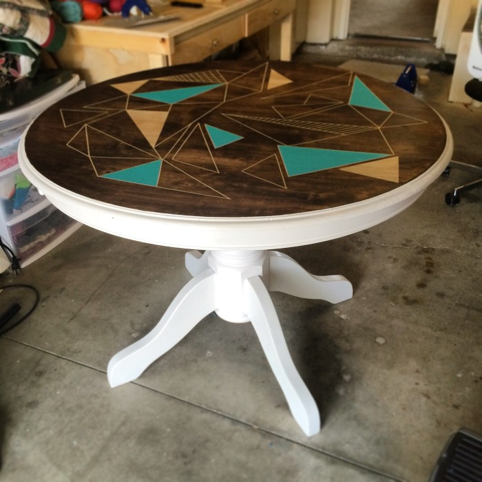 Old Table Gets New Design (7 pics)