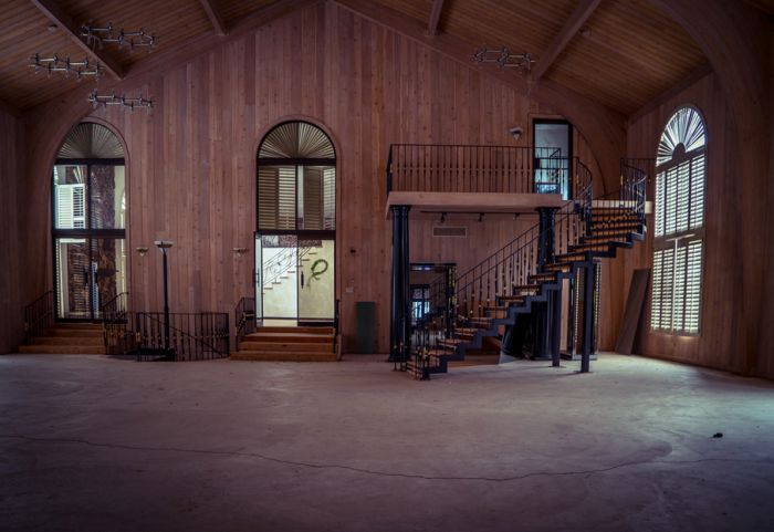 A Look Inside Mike Tyson's Abandoned Party Mansion (29 pics)